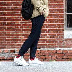 UNIQLO 的 特級彈性束口褲