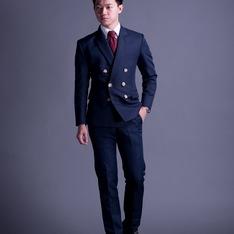 訂製 的 成套空軍藍雙排扣西裝