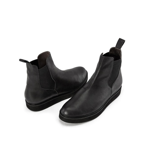 WHILE 的 CHELSEA BOOTS
