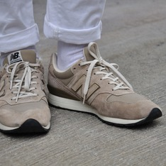 NEW BALANCE 的 復古慢跑鞋
