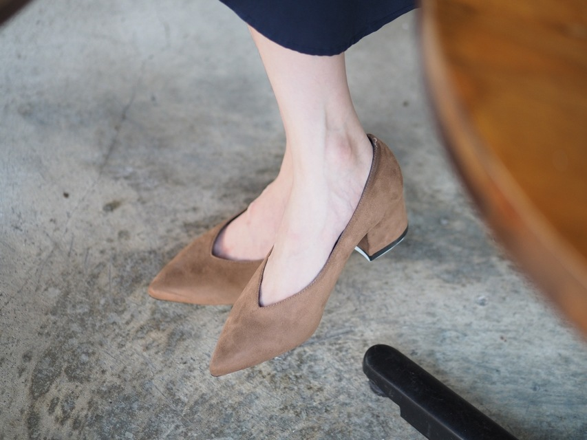 YANG 的 麂皮切口粗跟鞋