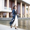 'ACADEMIE X REVOLVE 的 X REVOLVE THE SILK ROBE 蠶絲長袍