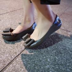 ZAXY 的 果凍鞋