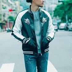 START STAR 的 橫須賀外套