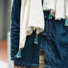 OMAKE 的 克什米爾羊毛流蘇圍巾