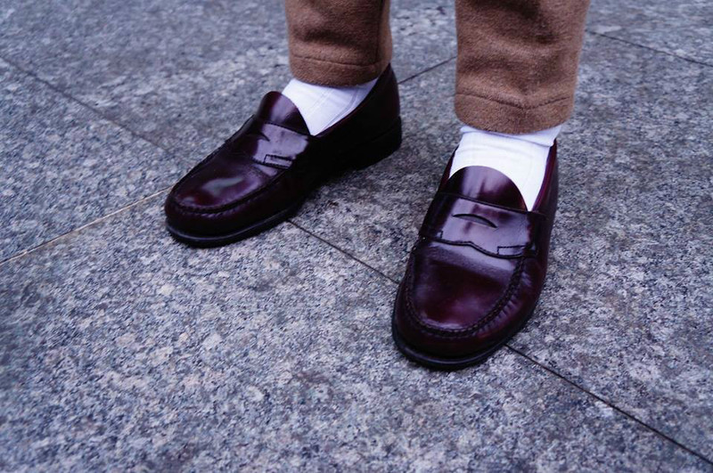 BASS 的 酒紅樂福鞋