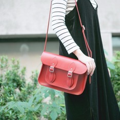 CAMBRIDGE SATCHEL 的 劍橋包