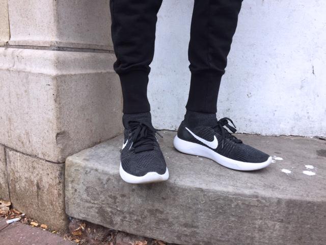NIKE 的 鞋子