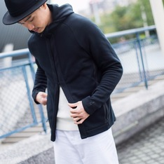 NIKE 的 NIKE TECH PACK FLEECE