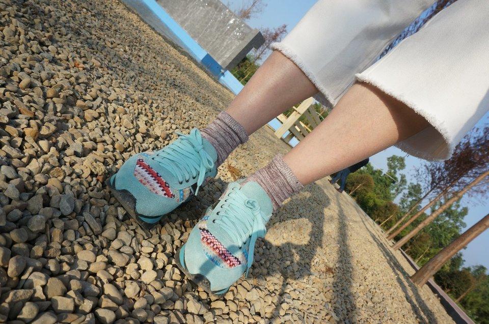 國外市集 的 淺天藍 鞋子