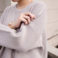 BE'U 的 寬鬆感兔絨短版毛衣