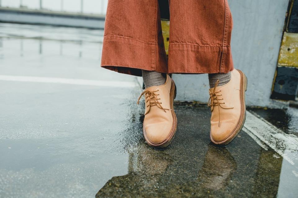 CHENJINGKAI OFFICE 的 皮鞋