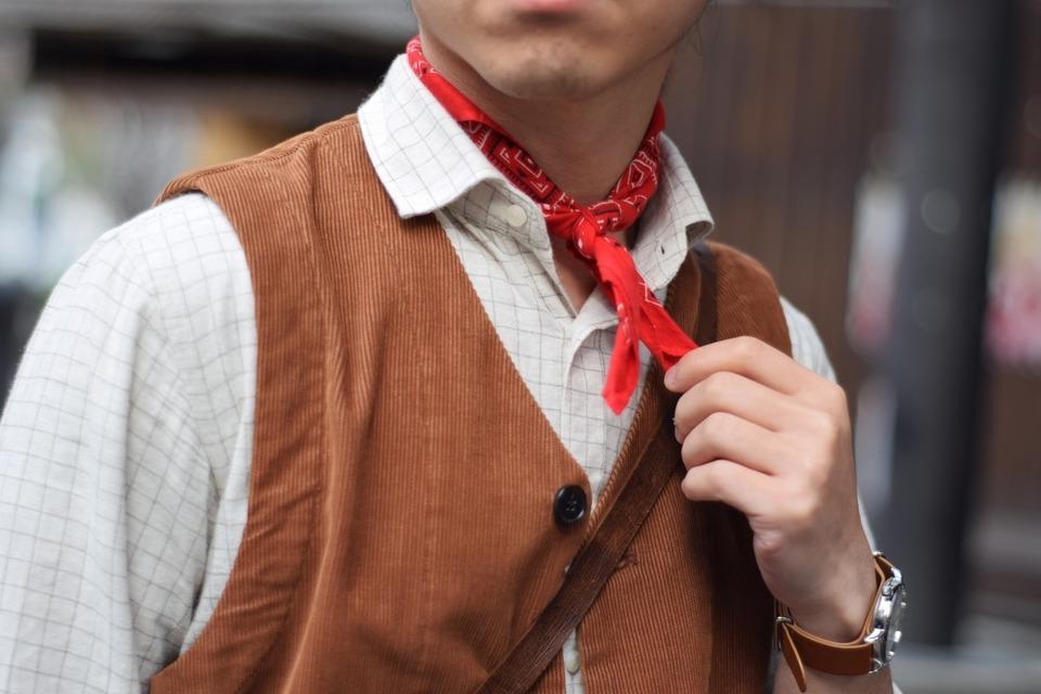 VANTAGE 的 領巾