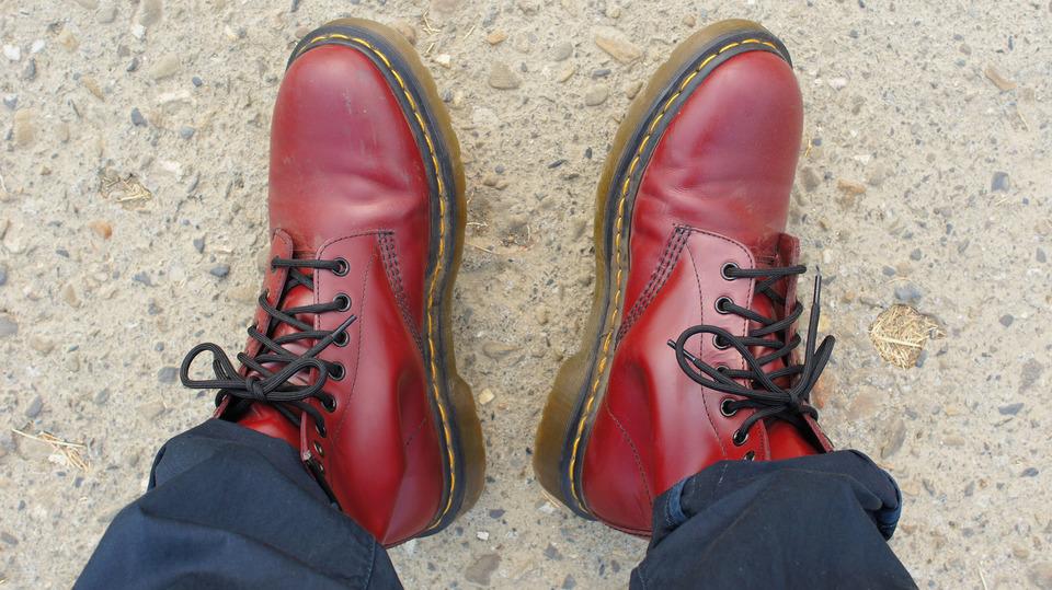 DR. MARTENS 的 馬汀鞋