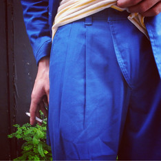 WISDOM 的 DOUBLE-PLEAT PANTS