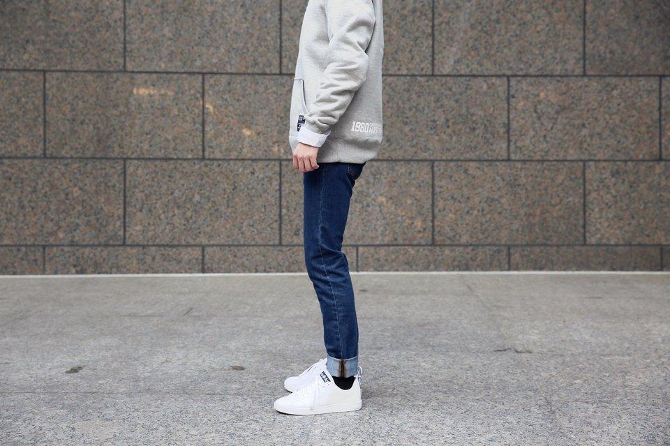 FOREVER21 的 藍色合身牛仔褲