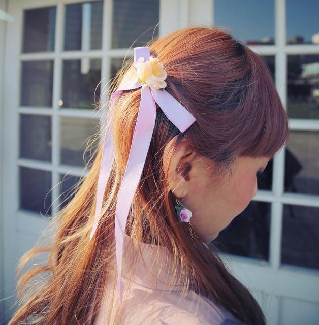 MS. FANCY 的 玫瑰蝴蝶結緞帶髮夾