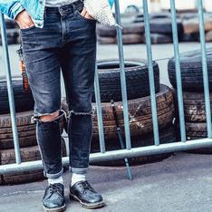H&M 的 牛仔破褲