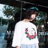 無品牌 的 玫瑰花白色T恤