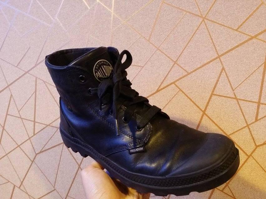 PALLADIUM 的 黑色軍靴