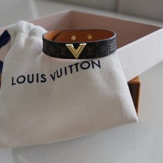 LOUIS VUITTON 的 手環