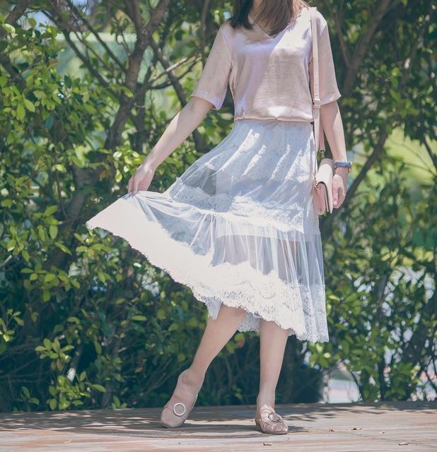 CLASSYVIBE 的 透膚蕾絲裙