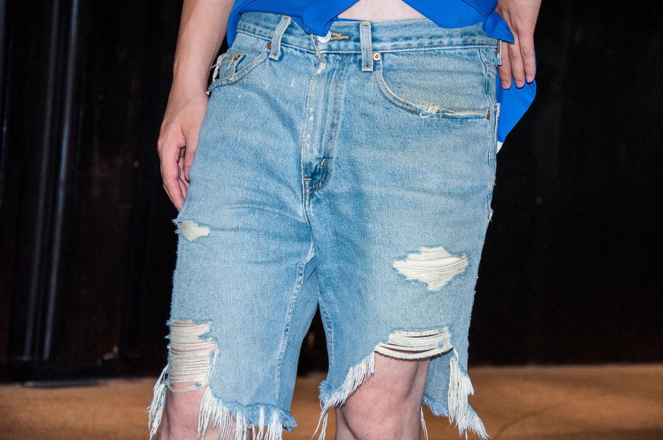 貓爸衣櫃挖出來 的 超破爛牛仔短褲