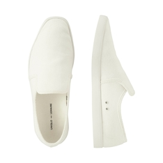UNIQLO 的 LEMAIRE CANVAS SLIP-ON
