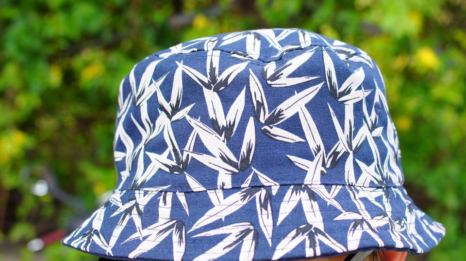 H&M 的 印花漁夫帽