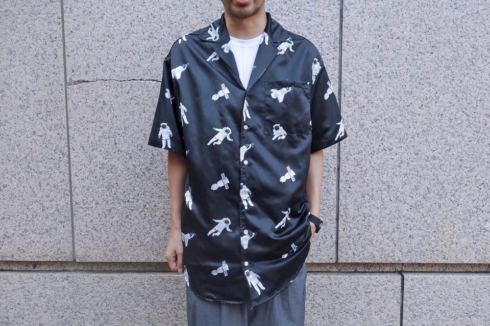 MAIN BOOTH 的 短袖襯衫
