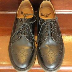 DR. MARTENS 的 鞋子