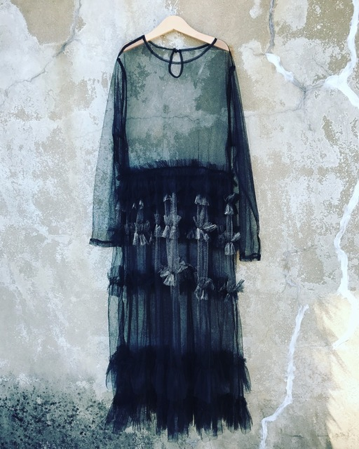 SINGULARR 的 透視洋裝