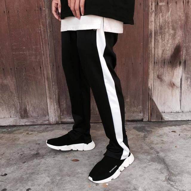 FAITH KOREA 的 運動褲