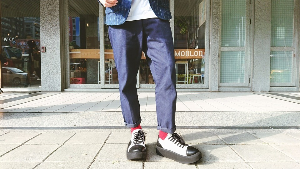 LEVI'S MADE & CRAFTED 的 牛仔褲