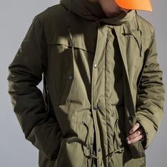 BASEMENT地下室 的 長版連帽外套