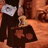 桃園路邊/市集 的 魔法書手機錢包/古著玫瑰骨董包