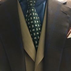 千代洋服 的 格紋三件式成套西裝