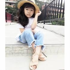 ZARA 的 綁帶涼鞋