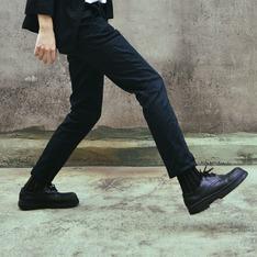 彪琥 的 黑皮鞋