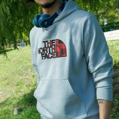 THE NORTH FACE 的 帽TEE
