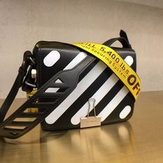 OFF-WHITE 的 OFF-WHITE INDUSTRIAL TAPE SHOULDER BAG - BLACK