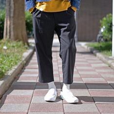 PLAIN-ME 的 條紋錐形八分西裝褲