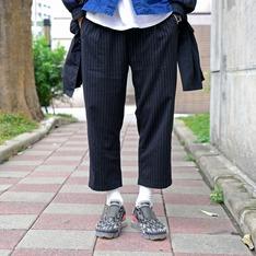 PLAIN-ME 的 彈性錐形八分西裝褲