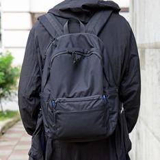 PLAIN-ME 的 防潑水電腦收納後背包