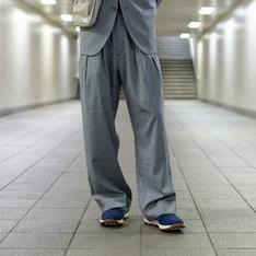 PLAIN-ME 的 彈性寬版落地西裝褲